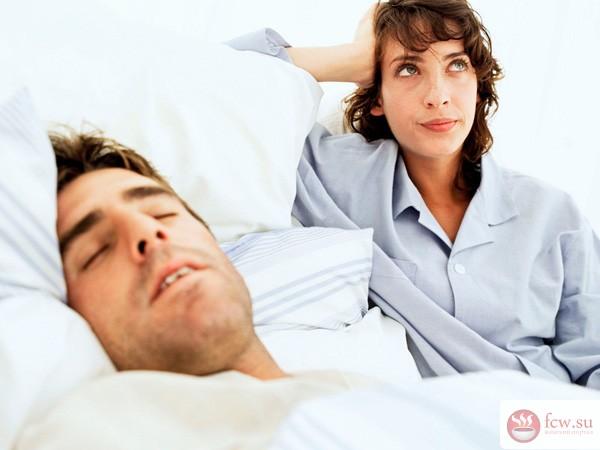 Почему люди скрипят зубами ночью во сне