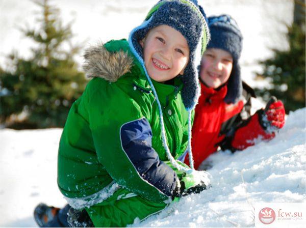 Как правильно выбрать зимнюю куртку ребенку?